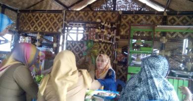 Lounching Warung Makan Bambu di Samping Gedung DPRD Lampung, Makan Gratis