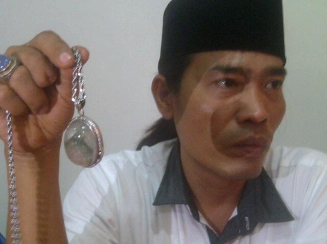 Harta Ahmad Muslimin Berasal dari Batu Akik – Harian Fokus